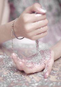 glitter-hands2