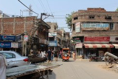 A relatively quiet street in Amritsar
