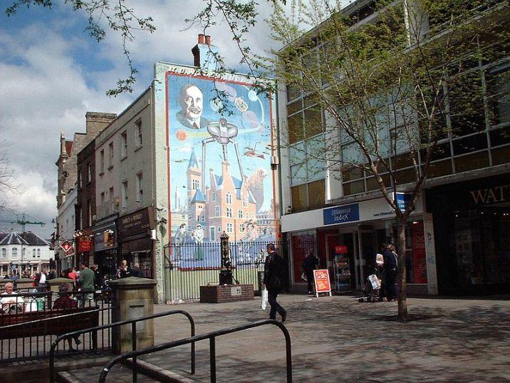 H.G. Wells mural in Bromley, Kent (UK)