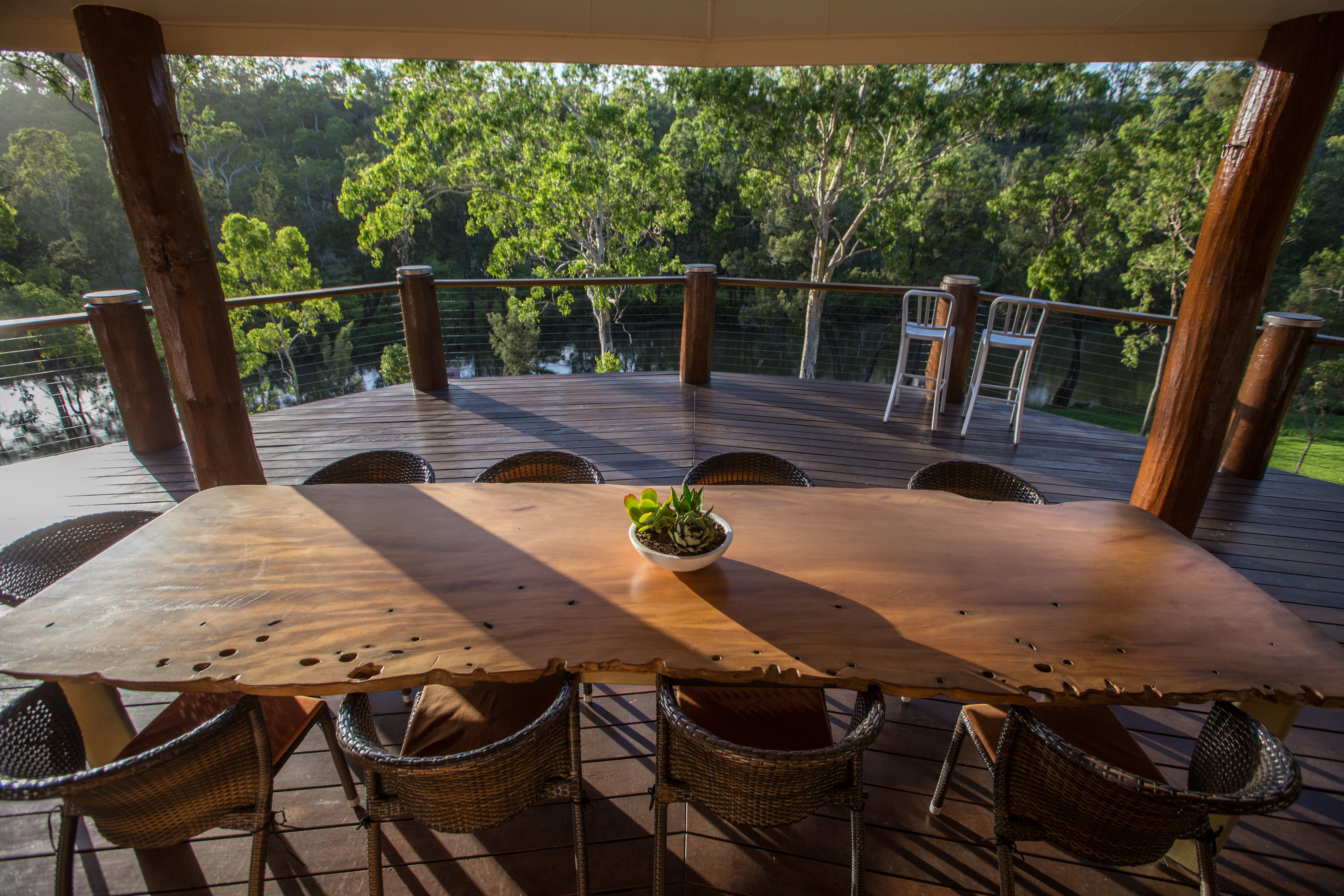 Luxury outdoor waterview dining at The Long Weekend Retreat, Millstream