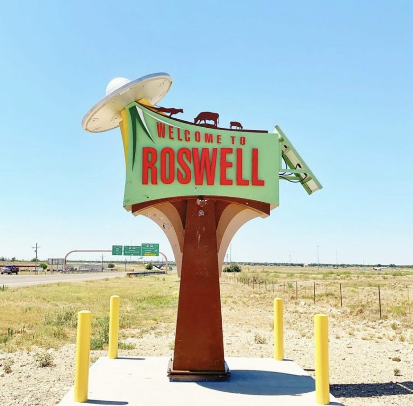 welcome-to-roswell-sign.jpg