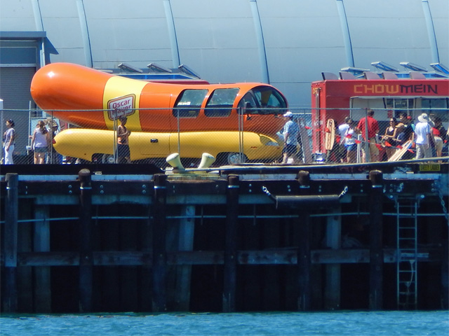 wienermobile-in-pedro-140823