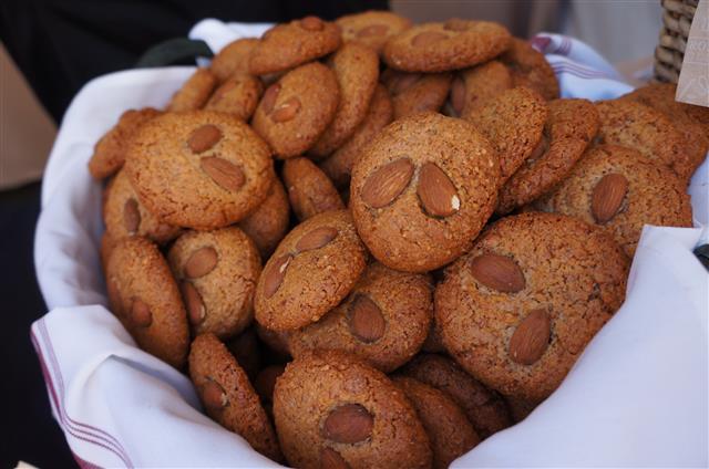 La Brea Bakery's Almond Cookies