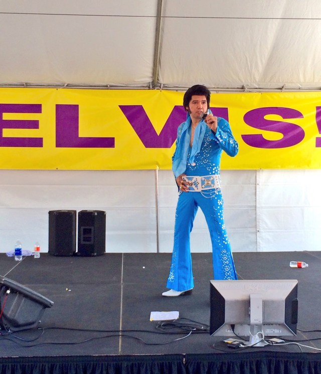 A performer at the 17th Annual Elvis Festival (photo by Nikki Kreuzer)