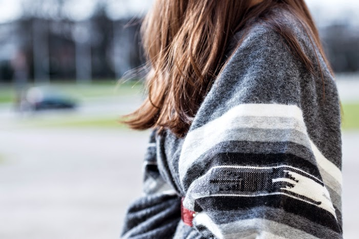 Poncho-Peru-Fashionblogger-Ootd-New-Post-Winterlook-Streetstyle-Munich_4