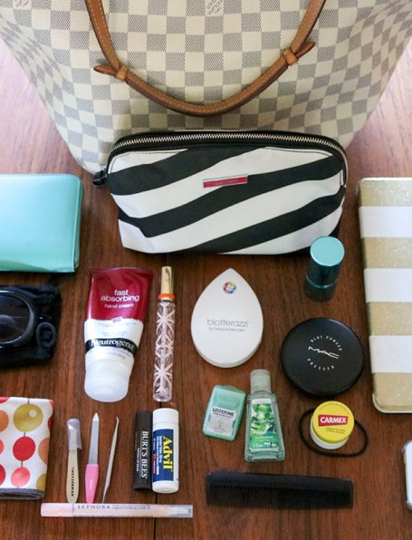 What's in My Bag: Fall 2015 #thelovelygeek