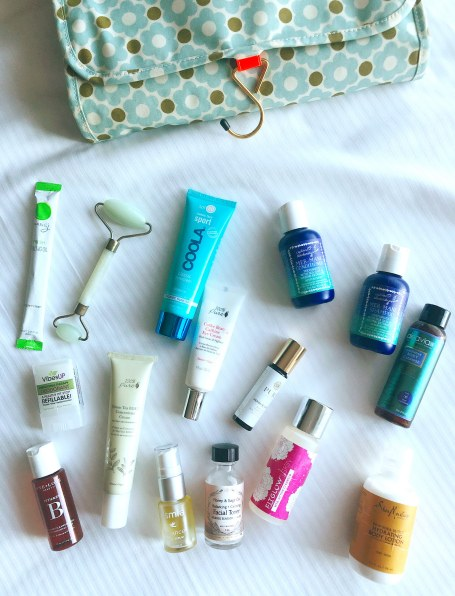What's in my Travel Bag: Green Beauty Edition #thelovelygeek