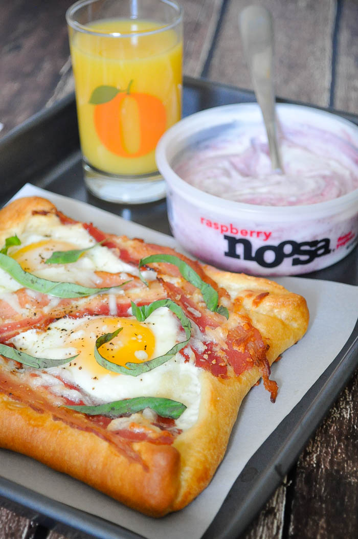3 Quick Egg Breakfasts to break your breakfast rut! These quick breakfast ideas are a tasty way to start your day alongside delicious noosa yoghurt! | The Love Nerds #Spon