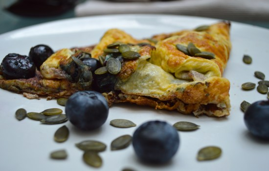 Blueberry and cinnamon omelette