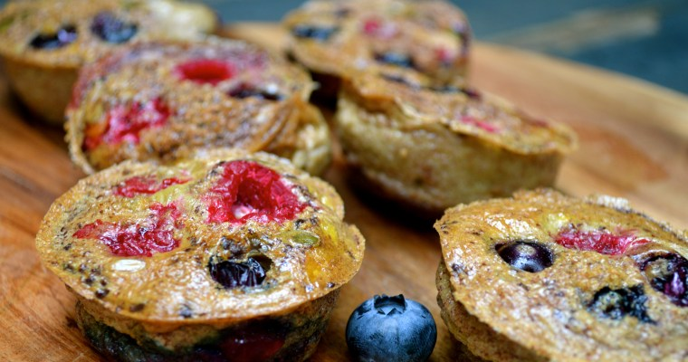 Mixed berry mini muffin omelettes