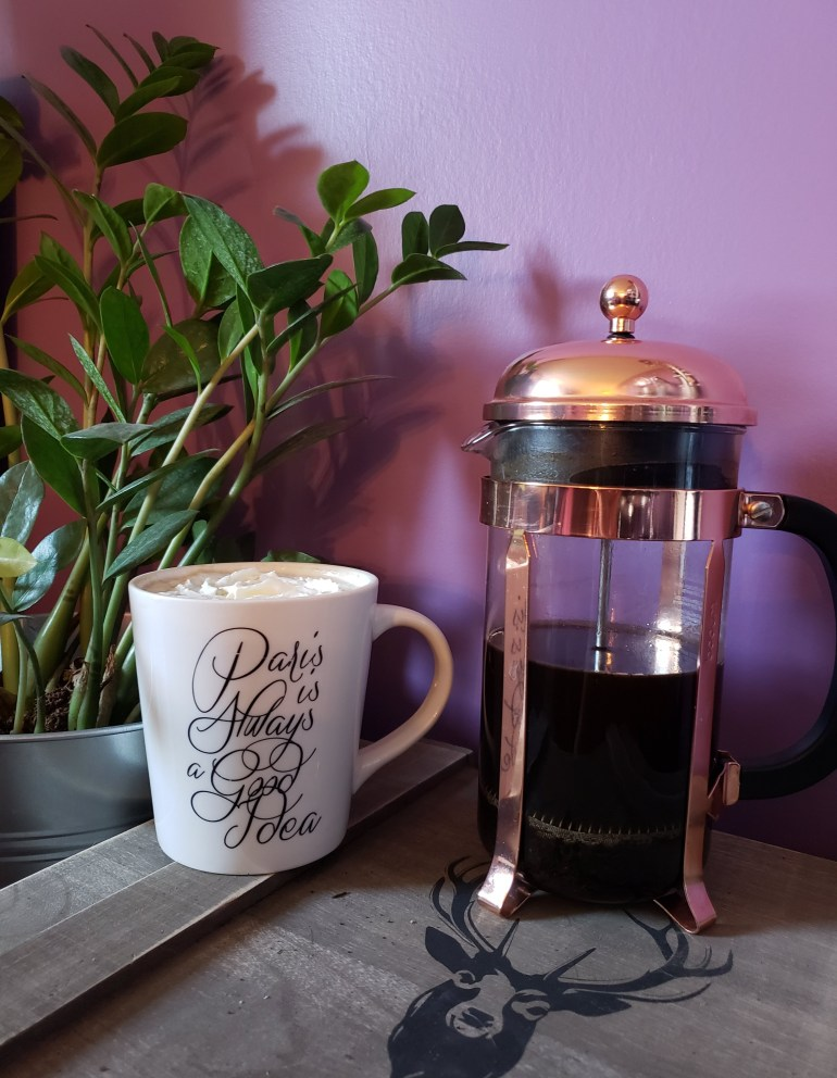 How to make the best coffee in a french press. Use less waste and make amazing coffee | Luxuriously Thrifty