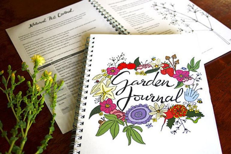 Great gardening journals on Etsy | Luxuriously Thrifty