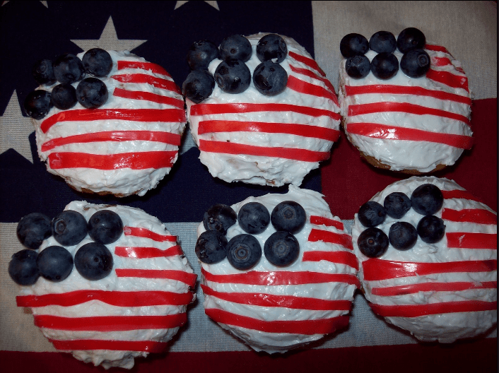 American Flag Cupcakes www.theluckywife.life