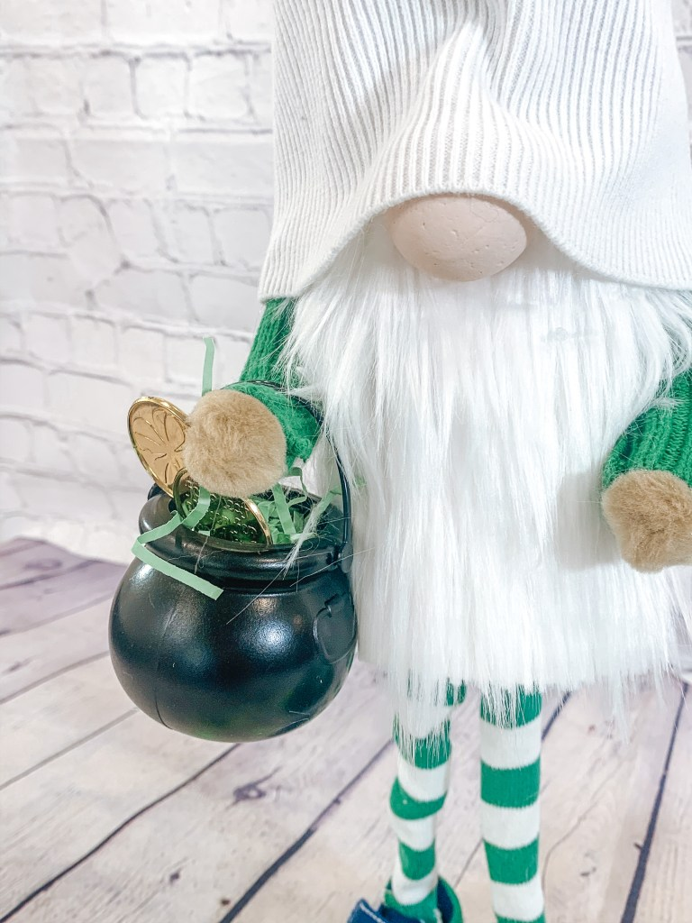 Standing Gnomes