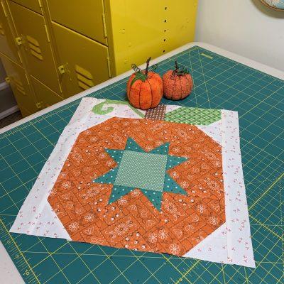 Farm Girl Vintage 2 Quilt | Autumn Pumpkin Block