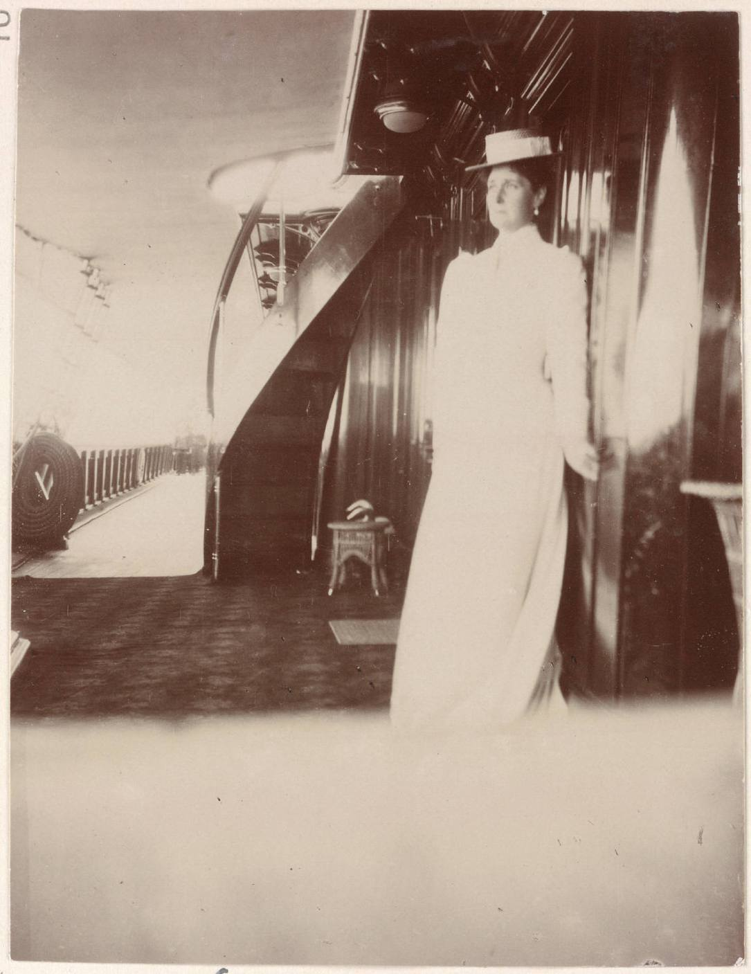 Photography from the private archive of the Romanovs family-Lujon Magazine42