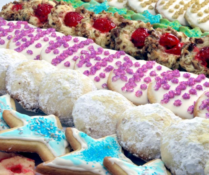 The Twelve Days of Christmas Cookies: Deck the Halls Collection | LunaCafe