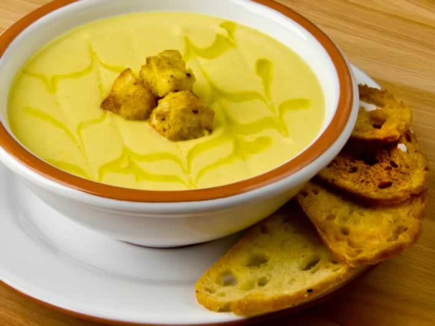 Creamy Cauliflower Leek Soup with Curried Mustard Croutons | LunaCafe