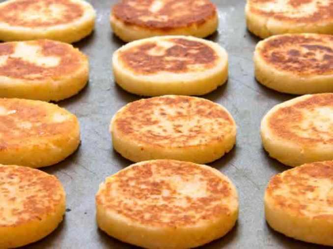 Arepas: Venezuelan Cornmeal Cakes