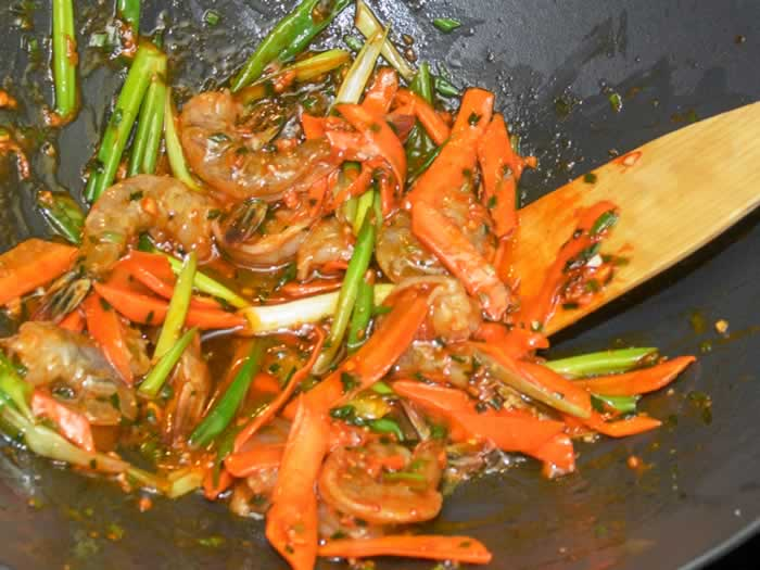 Adding Korean Spicy Pepper Sauce to Stir-Fry