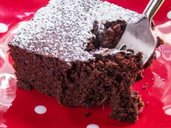 10 Super Easy Chocolate Dream Cakes: Chocolate Snacky Wacky Cake