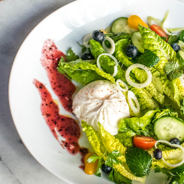 Blueberry Salad with Baby Lettuce, Burrata Blueberry Ginger-Lime Vinaigrette | LunaCafe