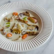 Northwest Creamy Manila Clam Chowder   LunaCafe