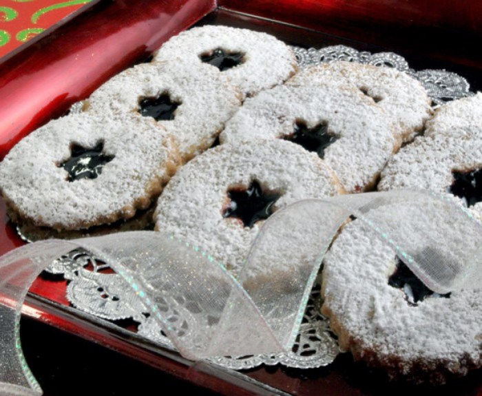 Toasted Almond Black Cherry Shortbread | LunaCafe