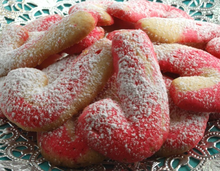 Candy Cane Butter Cookies | LunaCafe