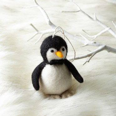 felt-penguin-ornament-z-hero