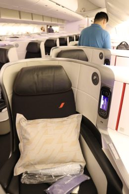 10A window seat
