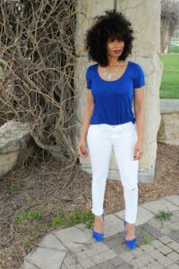 blue tee white jeans top summer colors 2016