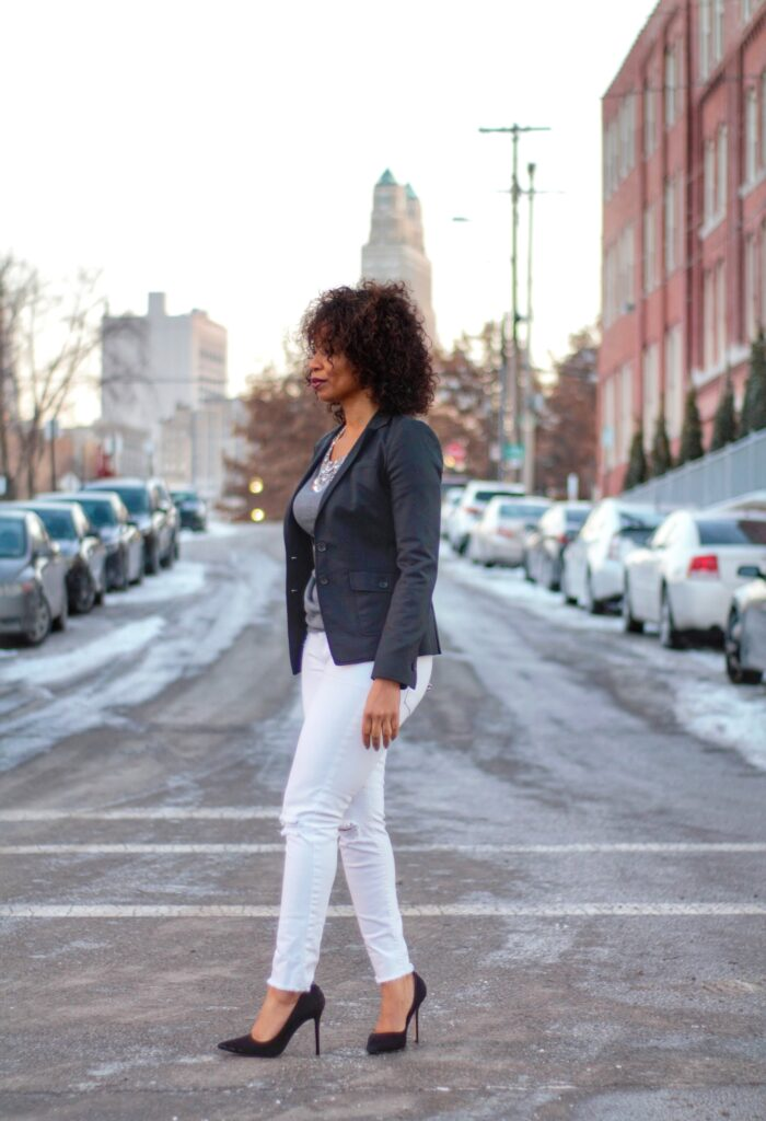 everyday black blazer, blazer and skinny jeans