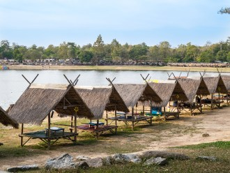 Huts at Huay Tung Tao Lake