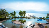 the-luxury-asia-montigo-resort-nongsa-batam-pool