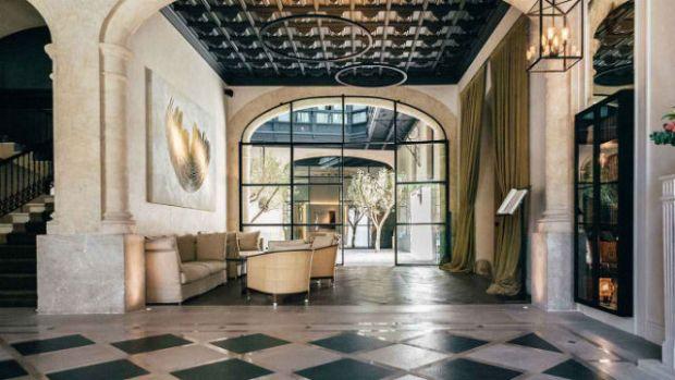 slide1-reception-lobby-hotel-sant-francesc-palma-de-mallorca