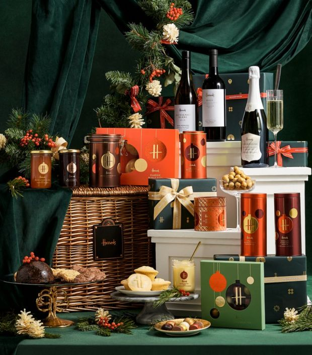 harrods knightsbridge christmas hamper 15865623 29105444 1000