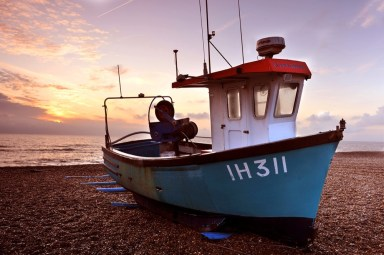 Boat on Aldeburgh beach (high)
