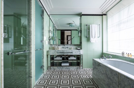 Beaumont_Bathroom_Bath_GramRoad_MR