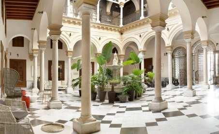 hotel-villapanes-patio_OPT