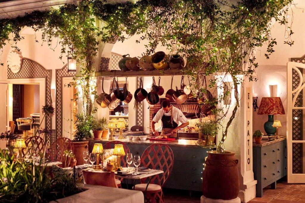 El Patio Marbella Club Restaurant Spain 16 1