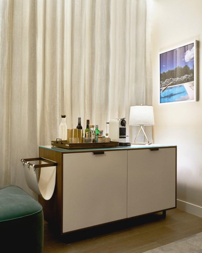 Thompson Hollywood by Tara Bernerd Partners Guest Room 2