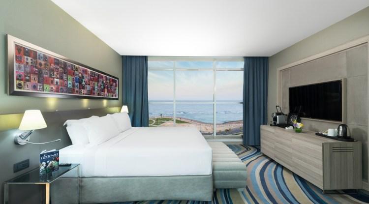 Radisson-Blu-Jeddah-Corniche-room-view
