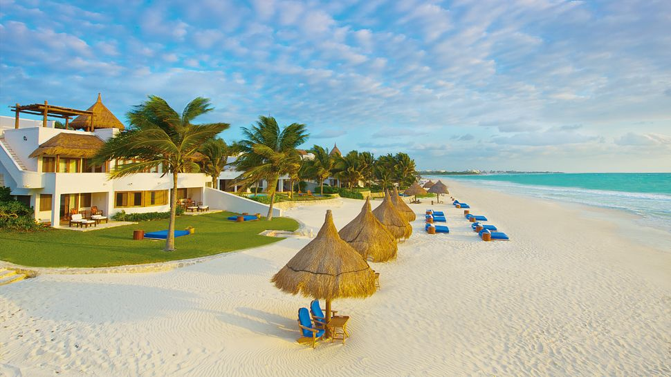 Top 10 worlds most beautiful hotel beaches the luxury travel 5 sciox Image collections
