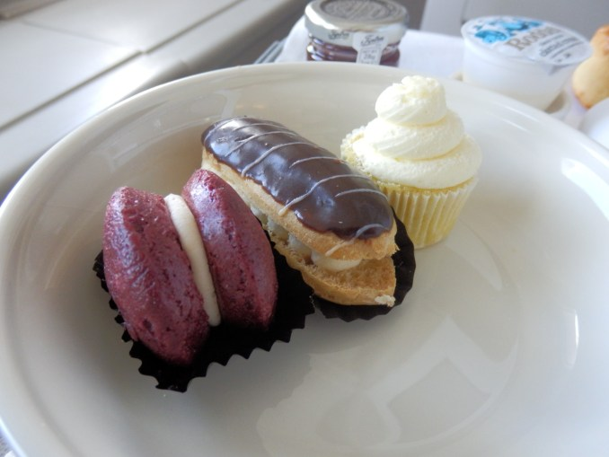 AFTERNOON TEA: SWEETS