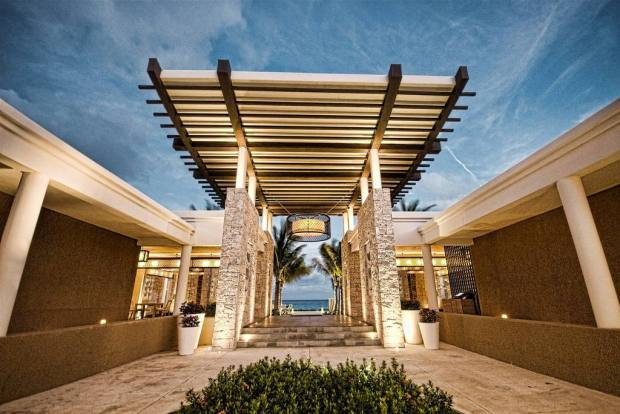 BEACH CLUB ENTRANCE