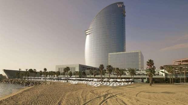 HOTEL EXTERIOR & BEACH