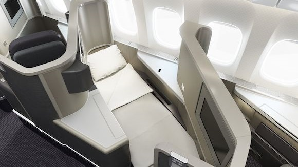 AMERICAN AIRLINES BOEING 777-200ER NEW BUSINESS CLASS