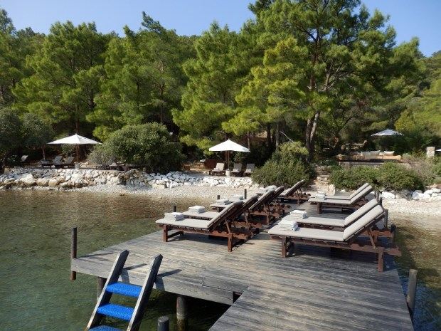 JETTY AT BEACH CLUB