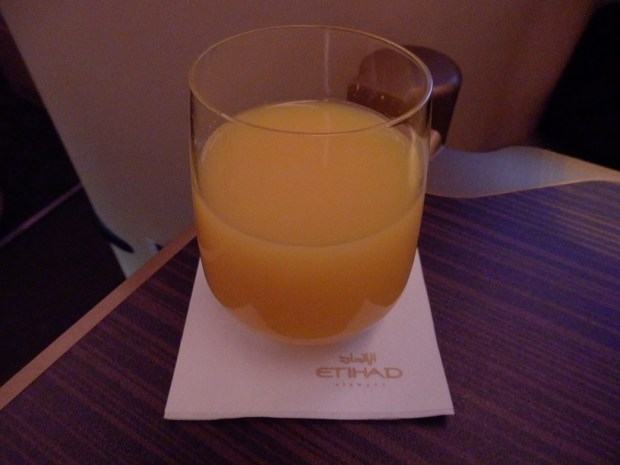 BRUSSELS TO ABU DHABI: FRESH ORANGE JUICE BEFORE TAKE-OFF